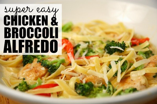 If you're looking for a quick dinner recipe to whip up after a long day, this SUPER EASY Chicken and Broccoli Alfredo recipe is just what you need. It's easy to prepare, it only takes 25 minutes to cook, and it's sure to be a hit with the whole family! #CookWithCampbell #ad
