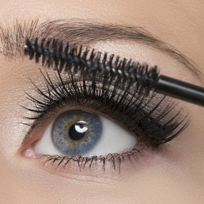 13 makeup artist tricks to teach you how to apply mascara properly