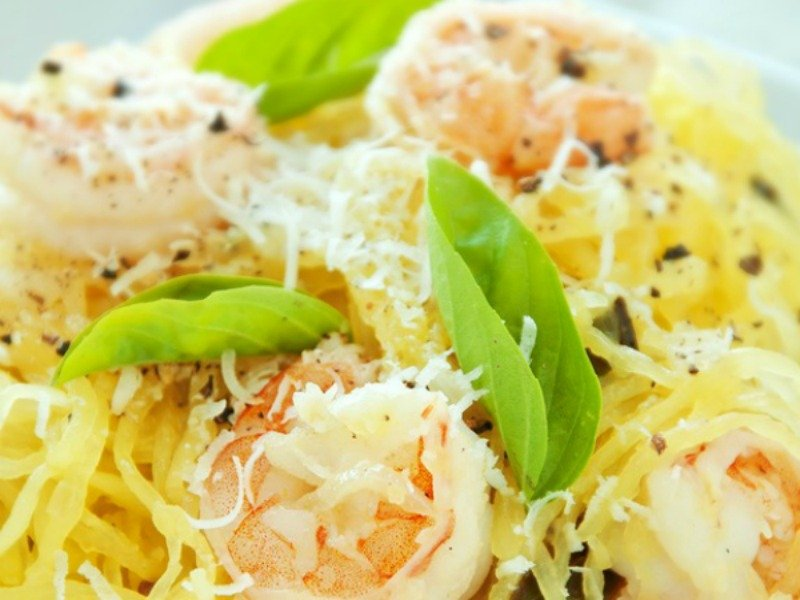 Intrigued by spaghetti squash but have no idea what to do with it? No worries! This collection of delicious sphagetti squash recipes will teach you how to make some pretty impressive stuff, like pad Thai and macaroni and cheese!