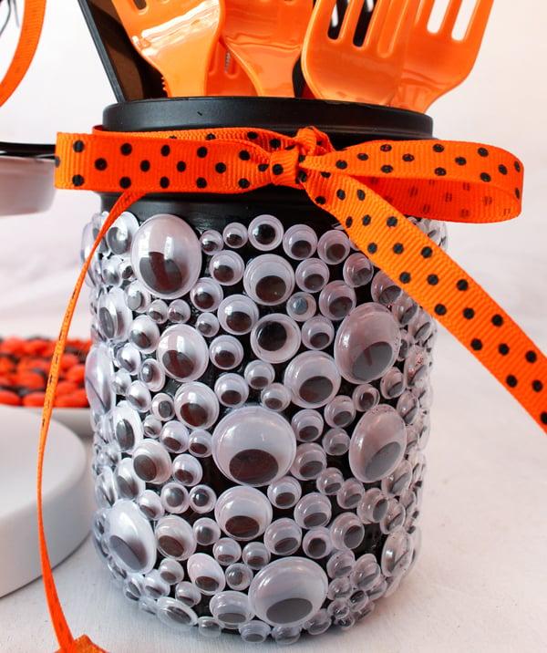 Diy mason jar halloween decorations for How to make homemade halloween crafts