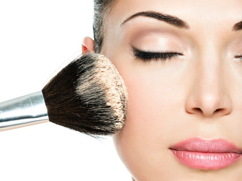 Beauty Tip How To Apply Foundation So It Lasts All Day