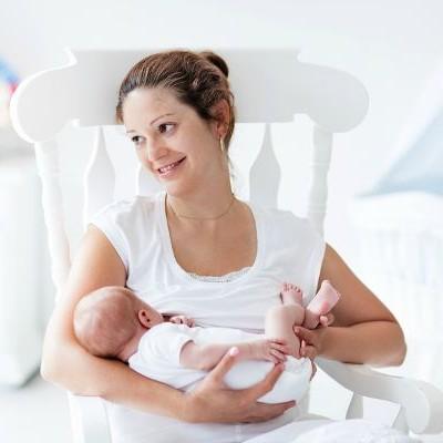 5 Breastfeeding Tips for New Moms