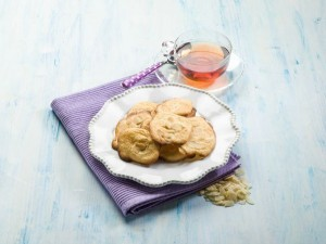 Simple and delicious almond cookies