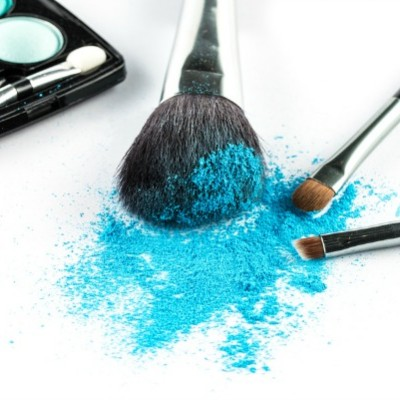 Eye makeup for blue eyes: 4 looks to make them pop!
