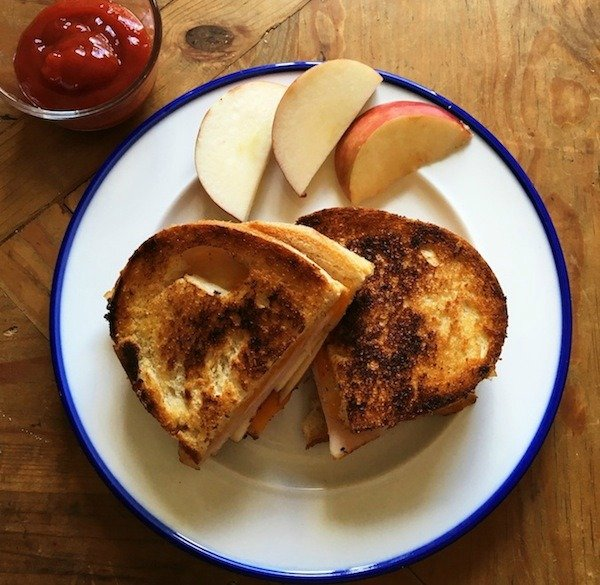 On days you can't be bothered to cook and need something quick, enjoy this turkey apple cheddar sandwich - it's a spicy twist on the classic grilled cheese!