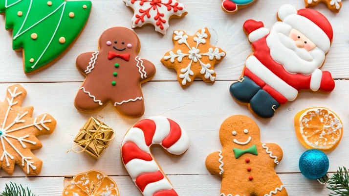 Looking for the perfect Christmas cookies kids can make? We've got you covered. This collection of 10 easy Christmas cookie recipes and decorating ideas will make decorating for the holidays with your little ones so much fun! From Snowman Oreo Cookie Pops and Sleigh Riding Teddy Bears to Christmas Cornflake Wreath Cookies and NutterButter Reindeer, these goodies are perfect for classroom parties and cookie exchanges!