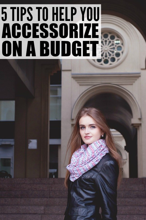 From scarves and statement jewelry to purses and shoes, there are heaps of different ways to turn an otherwise boring outfit into something trendy and fashionable. Check out 5 of our best tips and learn how to accessorize on a budget. You'll never look mediocre again!