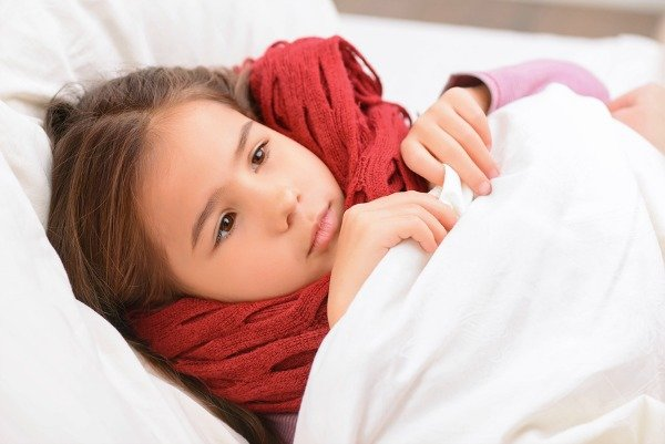 Like it or not, cold and flu season is here, and if your kids refuse to take medication like my daughter, you probably hate this time of year as much as I do. Fortunately, there are heaps of natural ways you can make your kids feel better, and thanks to these natural remedies for congestion in kids, everyone can breathe easier when illness strikes.