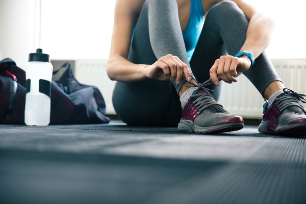 If you're in the midst of making your resolutions to eat less and workout more next year to aid in your weight loss goals, and need tips to get yourself in and out of the gym in under an hour while still looking (and smelling) fabulous, these lunchtime workout tips are for you!
