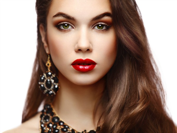 A Bold Red Lip And Eye Popping Mascara Are Musts For A Lavish Valentineu0027s  Date