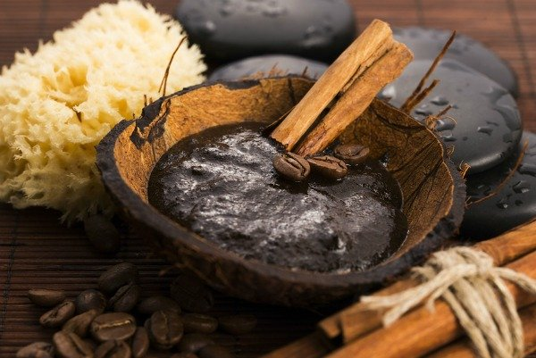 Body scrubs are a great way to exfoliate and combat stretch marks, cellulite, dry skin, and acne, and we've rounded up 15 of the best DIY recipes that are perfect for all skin types - even sensitive skin. Using natural ingredients like coffee, coconut oil, sugar, lemon, vanilla, peppermint, and lavender, these homemade recipes will make your skin look and feel amazing.