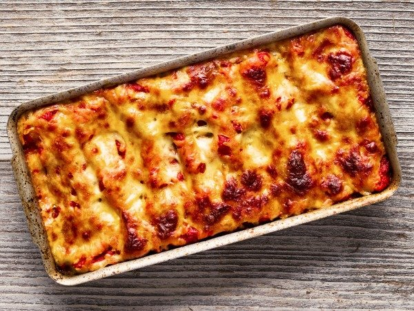 Whether your entertaining friends or looking for a family-friendly recipe your kids will enjoy, this simple, no-fuss parsley cannelloni recipe is for you. It's the perfect comfort food for cold winter nights, and will leave your guests begging for seconds.