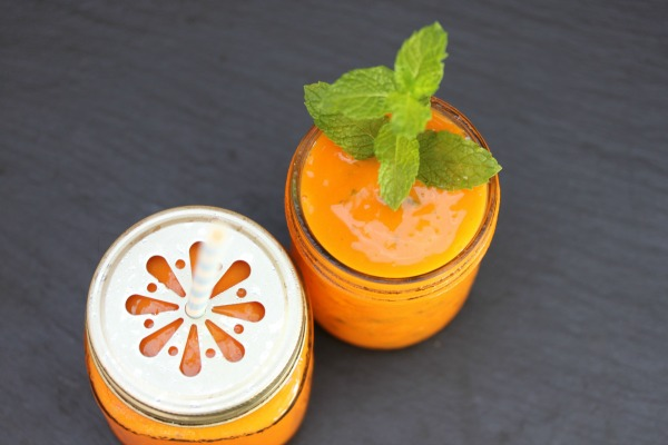 This carrot smoothie recipe is a must-try for everyone. It makes for a healthy breakfast smoothie or a cold and refreshing afternoon drink to enjoy on the deck (perhaps with a slip of vodka?), and while we use orange and mango, the possibilities really are endless - beet, apple, spinach, pineapple, strawberry... This is a great detox drink and is a great addition to a vegan diet!