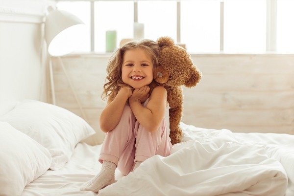Summer brings sunshine, long days, and good moods, but it also brings bedtime battles with our children. Am I right?! The good news is that we've broken it all down and we're sharing our simple tips to help your baby and/or toddler stay in bed at night so you and yours can enjoy a better night of sleep.