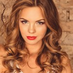 How to Curl Your Hair with a Curling Wand In 5 Easy Steps!