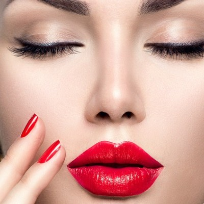 Holiday Makeup Looks We Love: 11 Trends We're Falling for This Season!