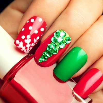 Holiday Nail Art: 9 Holiday Nails to Get You in the Spirit