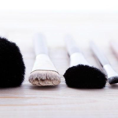 10 Easy & Cheap Tips to Teach You How to Clean Makeup Brushes