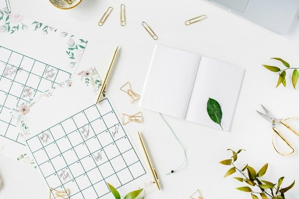 Looking for a free 2017 editorial calendar template? Need a blog planner that works? Want to know the secret to brainstorming 3+ months worth of blog post ideas at once for maximum productivity? We've got you covered. We're sharing a copy of our 2017 editorial calendar (free download!) as well as our step-by-step quarterly planning guide to help you proactively identify seasonal, trending blog content ideas to drive traffic to your blog!