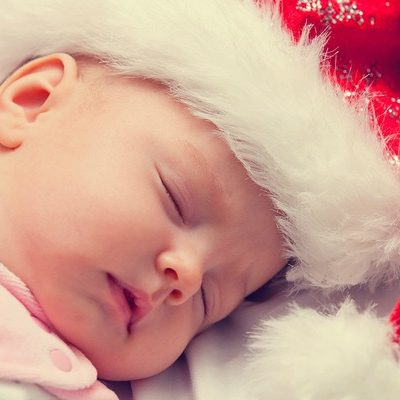 5 Simple Holiday Baby Sleep Tips To Stay On Track