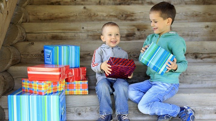 Love this collection of the best toys for boys! Whether you're looking for the perfect birthday gift or Christmas present, this collection of popular gift ideas for boys has you covered. Broken down by age from birth to 7 years, there's a toy for every budget in this list!