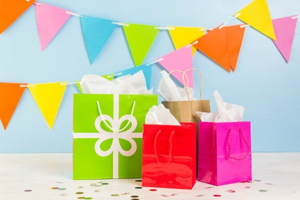 Looking for unique loot bag ideas for girls and for boys? Look no further! We've rounded up 17 cheap DIY party goodie bag ideas your kids will absolutely love. Whether you're celebrating a birthday, milestone, holiday, or ringing in the new year, these budget-friendly loot bags are sure to be a hit!