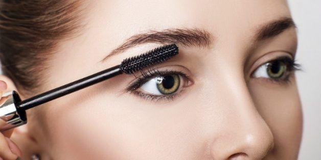 How to Get Longer Eyelashes: 7 Tips & The Best Mascara for Short Lashes