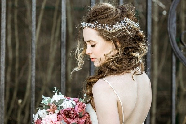 10 Lavish Wedding Hairstyles For Long Hair: 10 Easy Bridesmaid Hairstyles For Long Hair