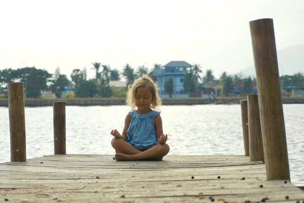 Mindfulness Activities for Kids | 17 simple and fun ways to teach kids the art of mindfulness to help them focus on classroom assignments, calm down and manage feelings of anxiety, exercise proper anger management, and regulate their emotions. These ideas are great on their own or as part of other therapy and treatment options for ADHD, anxiety, depression, and autism.