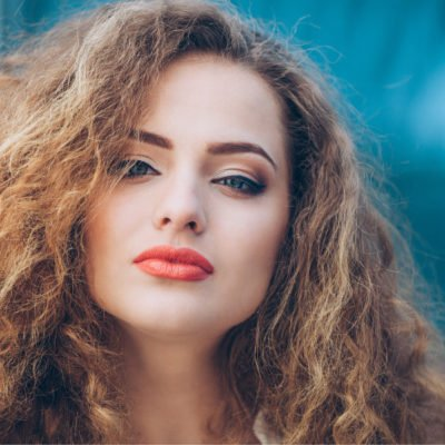 Tame Your Mane! 20+ Best Products and Hairstyles for Frizzy Hair