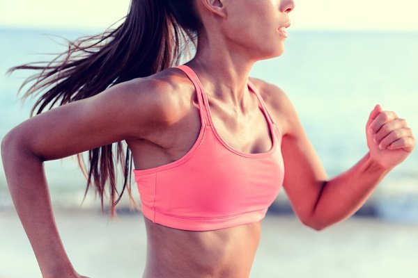 How to Breathe While Running | Whether you're training for a full or half marathon, a 5K or 10K, or you're just running for weight loss, these tips and breathing exercises for runners will take your workout and exercise routine to the next level! Learn how to regulate your breathing so you can run faster and longer and with greater endurance. #runningtips #runningforbeginners #runningtipsforbeginners