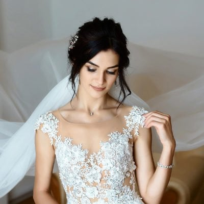 How to Choose a Wedding Dress for Your Body Type: 32 Tips to Consider