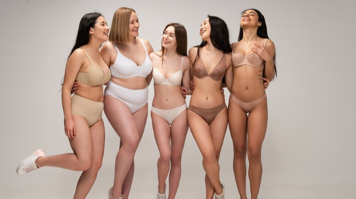 How to Have a Positive Body Image | Life is too short to spend it worrying about the shape and size of your body. If you're looking for tips to help you develop healthy thoughts about your beautiful body so you can feel happier with yourself and be a better role model for your daughter and other young girls in your life, we're sharing 11 body positivity tips and 25 positive affirmations to help you see that you are enough! #bodyimage #positiveaffirmations #bodypositivity