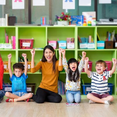 Kindergarten Readiness Checklist: 27 Tips and Activities For Parents