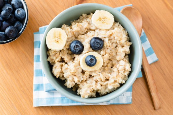 38 Easy Breakfasts for Kids to Kickstart The Day | If you're looking for quick and healthy breakfast recipes to kickstart your mornings, these ideas will inspire you! We've included make ahead ideas you can enjoy on the go, high protein breakfasts that double as fabulous after school snacks, as well as gluten free breakfast ideas and dairy free breakfast recipes for kids with allergies. #kidsbreakfast #kidsbreakfastrecipes #easybreakfast