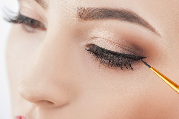 How to Apply Eyeshadow Eyeliner in 8 Easy Steps | Whether you prefer to sport simple or winged eyeliner, opt for natural brown and black eyeliner shades, or gravitate toward bolder looks, these tips and beauty hacks will teach you how to transform your favorite shadows into gorgeous eyeliner that lasts all day. We're sharing 8 application tips and tricks, and 4 eyeshadow eyeliner tutorials you'll love. #howtoapplyeyeliner #eyelinerhacks