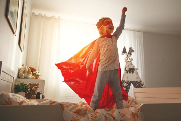 How to Promote a Positive Body Image in Kids | If you're looking for ways to teach your kids and teens self-love and body positivity, this post will give you the inspiration you need. If you want your daughter to become a self-assured woman and/or your son to radiate self-confidence, you'll learn all the ways you're sabotaging your child's self-esteem without evening knowing it. Give these parenting tips a try – they work! #positivebodyimage #buildingconfidenceinkids #buildingconfidenceinteens