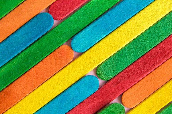 26 Popsicle Stick Crafts for Kids | If you're looking for easy and fun art projects to do with the boys and girls in your life when you're stuck inside the house, we're sharing 26 craft stick projects for kids of all ages. Perfect for toddlers in preschool and kids in kindergarten and elementary school, we've curated ideas for spring, summer, fall, and winter, as well as exciting DIY Halloween and Christmas themed projects! #popsiclestickcrafts #popsiclestickprojects #craftstickcrafts