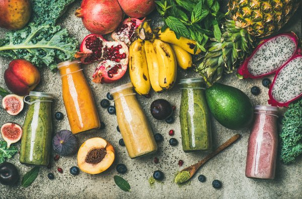 30 Detox Smoothie Recipes for Weight Loss | If fat burning and a flat belly are on your mind, you might be looking for cleanses you can do to detox your colon and liver, boost your immune system, clear your skin, and reset your body and mind. While juice cleanses can be helpful, they often leave you feeling weak and hungry. Smoothies feel more like meal replacements and offer a simple way to boost your metabolism. #detox #smoothiedetox #smoothiecleanse #3daydetox #3daydetoxplan #flatbelly