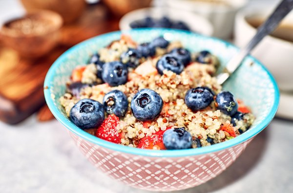 50 Quinoa Recipes for Every Meal   Whether you follow a vegan, vegetarian, plant-based, and/or gluten-free diet, or you're just looking for easy, healthy, and filling recipes for weight loss, quinoa is a gluten-free, high protein, mineral-rich superfood with anti-inflammatory benefits. Check out these delicious quinoa-based breakfast, lunch, dinner, snack, and dessert recipes that are equal parts filling and delicious! #quinoa #quinoarecipes #plantbasedprotein #glutenfreerecipes