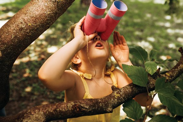 19 Backyard Activities for Kids | If you're looking for fun DIY yard games you can enjoy outdoors with your kids year-round, we've got 19 ideas to inspire you! Whether you have toddlers or kids in kindergarten or elementary school, we've got easy (and cheap!) ideas you can enjoy in spring, summer, fall, and winter. From obstacle courses, to water games, to old school birthday party games, to outdoor scavenger hunt ideas, there are so many things to do to burn energy when cabin fever sets in!