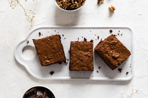 21 Desserts Under 100 Calories | If you're looking for quick, easy, and healthy desserts that won't ruin your weight loss goals, we've curated the best of the best! This collection includes recipes for people who follow a vegan, keto, and/or gluten-free diet, with tons of guilt free, sugar free, low calorie desserts to choose from. Whether you prefer chocolate, peanut butter, strawberry, or banana desserts, cookies, muffins, brownies, cheesecake, or ice cream, we've got something for everyone!