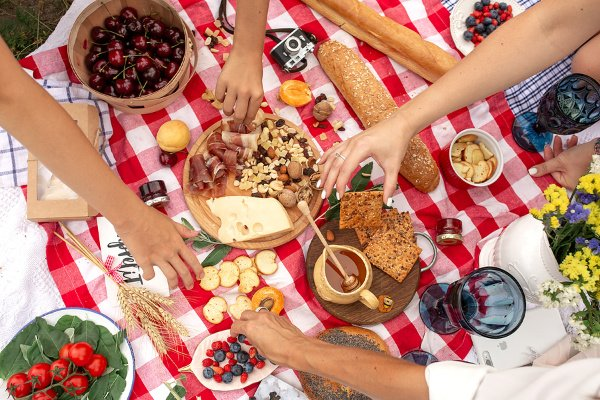 40 Picnic Food Ideas for Every Occasion | If you're looking for easy picnic food ideas for two, romantic summer picnic foods for a date outside, healthy picnic foods for kids, or the best cold picnic foods for a crowd, we've curated the best ideas that are simple and delicious. Whether you're heading to the beach, going camping, hiking, or spending the day on a fancy boat, these picnic recipes will not disappoint!
