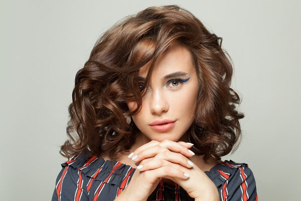 9 Best Hairstyles for Big Noses for Women | If you have a large nose and want to know which haircuts and hairstyles can help draw attention to your other features, this post is for you! Whether you have short, medium length, or long hair, we're sharing our best tips along with cute, easy, flattering, and stylish hairstyles for school, work, prom, and even for the bride to be that you can re-create in minutes at home. Should you get a bob, lob, or cut bangs? Read the post to find out!