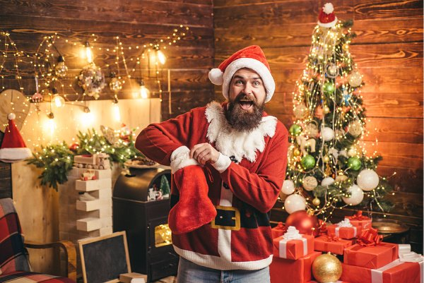 50+ Stocking Stuffers for Men | If you're looking for the best gifts for guys this Christmas that are both cheap and compact enough to fit inside a stocking, you're in luck! Whether you're shopping for your brother, dad, boyfriend, or husband, we've curated tons of ideas to inspire you. Some are practical and useful, some are funny, some are perfect for dads, and many of them are inexpensive and can be purchased on Amazon or at your local Dollar Tree.