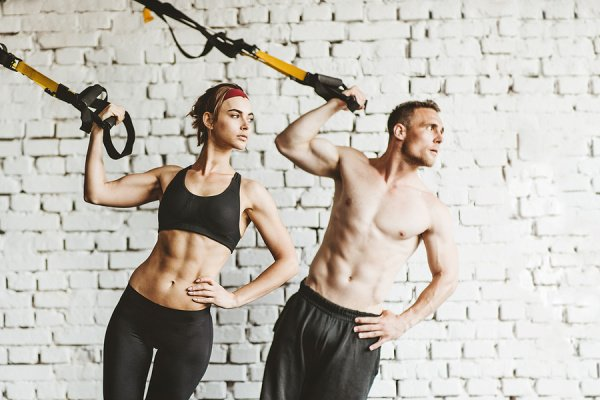 10 TRX Workouts for Beginners | Cardio meets strength training with this collection of full body TRX workouts! Perfect for women and for men, we've included a mix of arms, abs, legs, glutes, back, and full-body workouts so you can plan ahead and create your own TRX workout routine to target your upper body, lower body, and core on alternating days. There are so many benefits of TRX suspension training, and it's a great way to burn fat, build muscle, and provides a serious core workout!