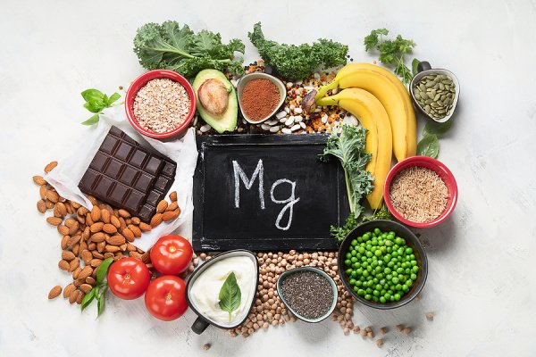 12 Magnesium-Rich Foods | If you suspect you or your kids have a magnesium deficiency, this post has lots of helpful information! We're sharing the signs, symptoms, and common causes of low magnesium, and the health benefits of adding magnesium to your daily diet - either through supplement or food. And if you're looking for natural remedies, we've included a list of 12 foods that are high in magnesium, including vegan, vegetarian, and keto options!