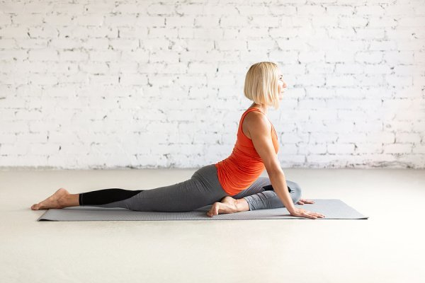 How To Treat Piriformis Syndrome | If you have pain in the buttocks and/or sciatica like pain down the back of your thigh, calf, and foot, you may have piriformis syndrome. This post has tons of helpful information - what is piriformis syndrome? what are the symptoms? what are the causes? how can I prevent it? - as well as treatment options for relief. We've included 4 stretches and 4 exercises aimed at reducing pain and strengthening your glutes.