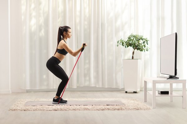 6 Full-Body Resistance Training Workouts for Women | Whether you like to workout at home or at the gym, these fat-burning resistance workouts are a great way to build muscle, tighten and tone your body, improve flexibility and balance, and reduce visceral fat. And they are also great for weight loss! There are so many benefits of incorporating resistance training into your workout routine, and these workouts for women include exercises for beginners and beyond.