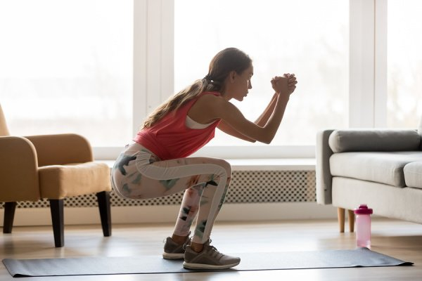 7 Knee Strengthening Exercises for Bad Knees | If you're looking for the best low impact knee exercises to facilitate proper alignment, stability, and strength, this post is a great resource. Perfect for runners looking for recovery exercises they can do at home to prevent injury, as well as those who are already injured and/or for arthritis sufferers, you can pick and choose the best exercises from this list to create your very own knee workout routine!